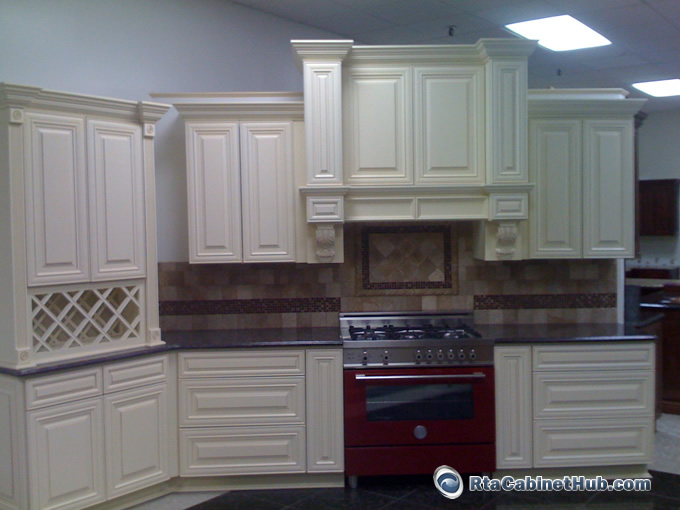 Cream maple glaze french vanilla rta kitchen cabinets - How to glaze kitchen cabinets cream ...